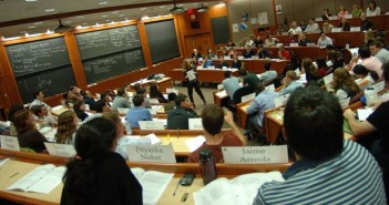 gaining-entry-admission-in-harvard-business-school-the-round-the-age-and-major-matters